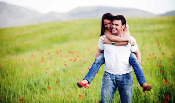 Bērnības laime: Kādēļ tā neļauj mums būt laimīgās attiecībās?