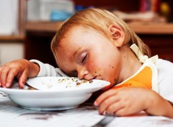 sleeping-at-dinner