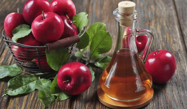 Ājurvēdas padomi: kā pagatavot vienkāršu, bet efektīvu attīrošo dzērienu no ābolu etiķa