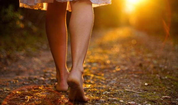 barefoot-walking-credit-gerneinde-celerina-1024x681