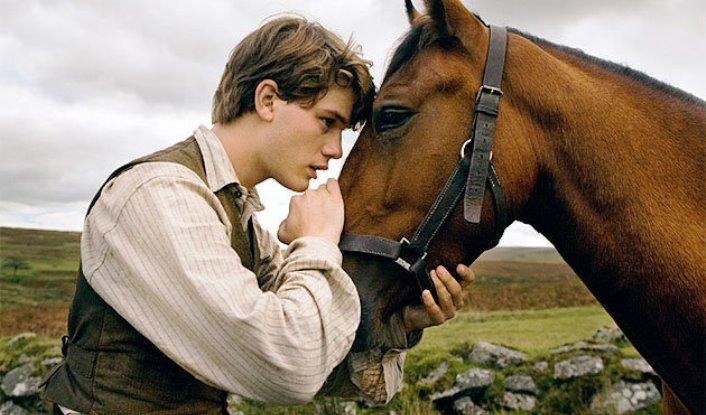 Stāsts par vīru, zirgu un kazu: Nekad nenovērtē par zemu tos, kuri paliek aiz kadra