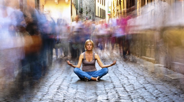 5 padomi, kā veiksmīgi praktizēt meditāciju mājas apstākļos