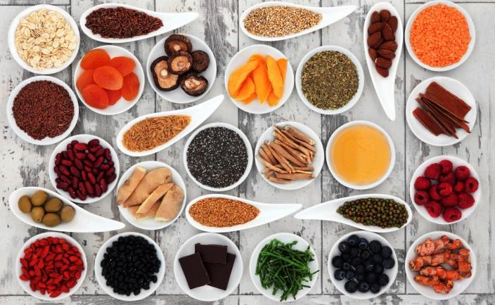 8 produkti, kas ikvienai sievietei būtu jāiekļauj uzturā