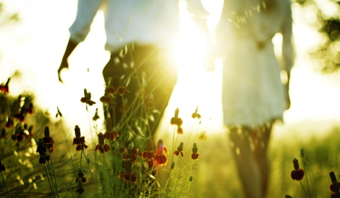 lovers-sunlight-1920x1200