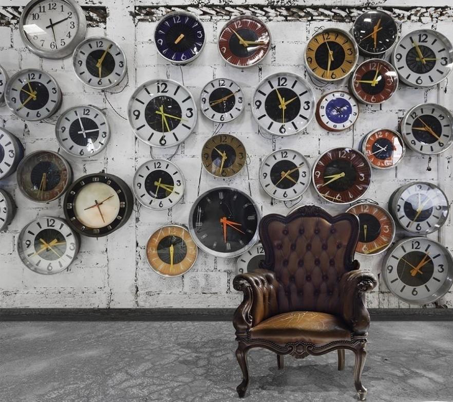 Vieta katrā mājā, kur nekādā gadījumā nedrīkst novietot pulksteni