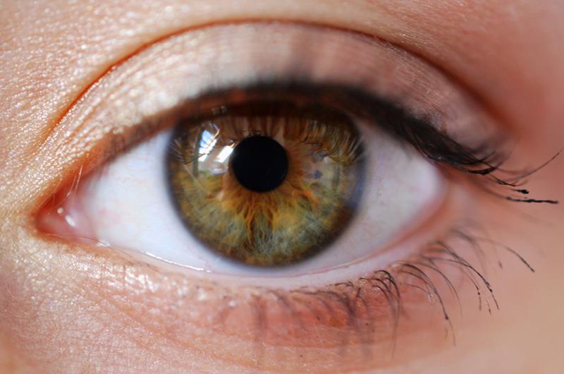 Zaļganbrūnas acis – izrādās, ka šādu acu īpašnieki ir ļoti īpaši