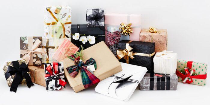 landscape-1450135443-elle-holiday-gift-wrap-00