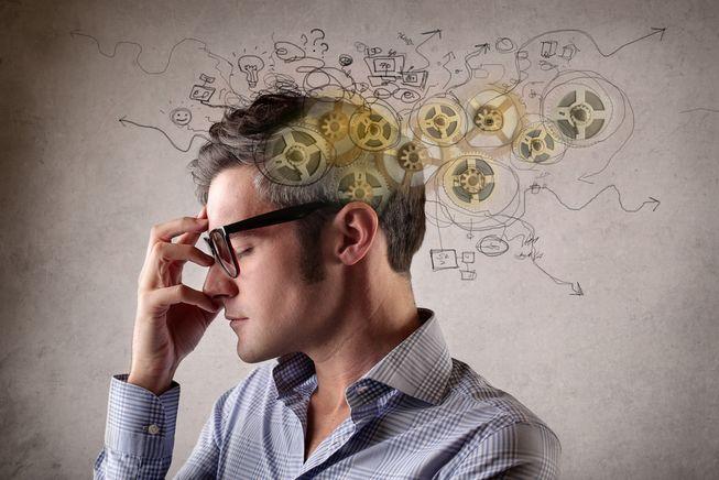 Kādas kļūdainas pārliecības vai negatīvās programmas var novest pie saslimšanas?
