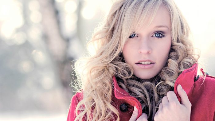 864020-blondes-blue-eyes-cold-curly-hair-winter-women