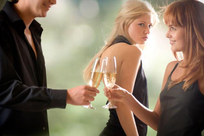 Uzmanību – bīstama plēsoņa. Kāpēc dažas sievietes medī svešus vīrus?