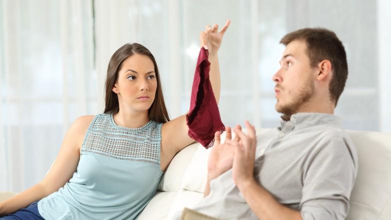 Skaidro zinātne: populārākais vecums, kad cilvēki krāpj savus partnerus